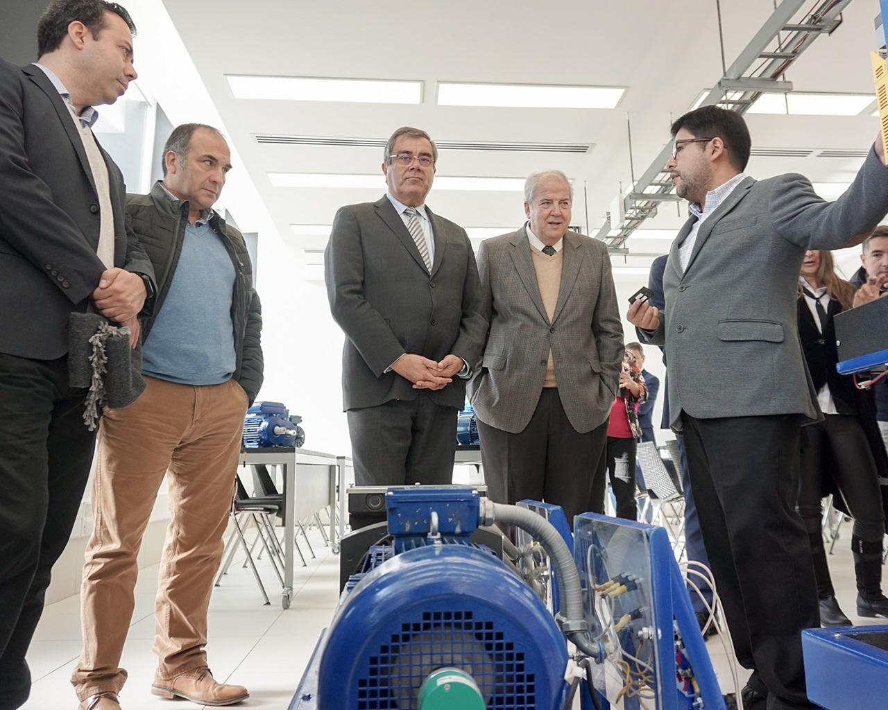 Universidad inauguró edificio de Ingeniería Civil Eléctrica