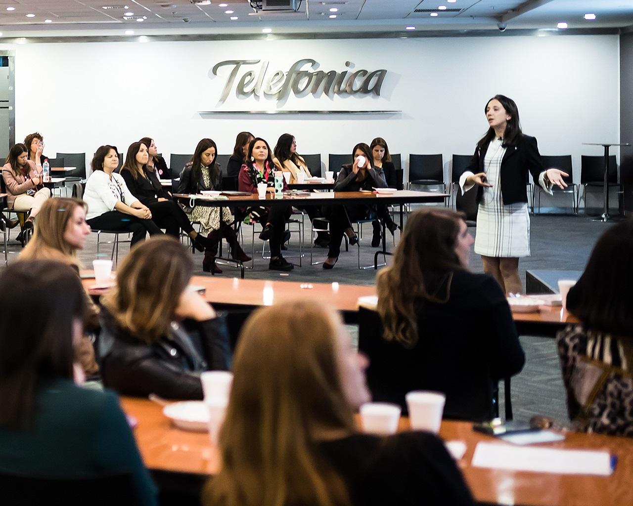 Académica inspiró a las profesionales de Movistar