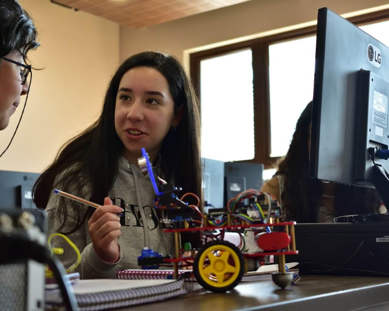 Ingeniería de la UTALCA realizará talleres de robótica gratuitos