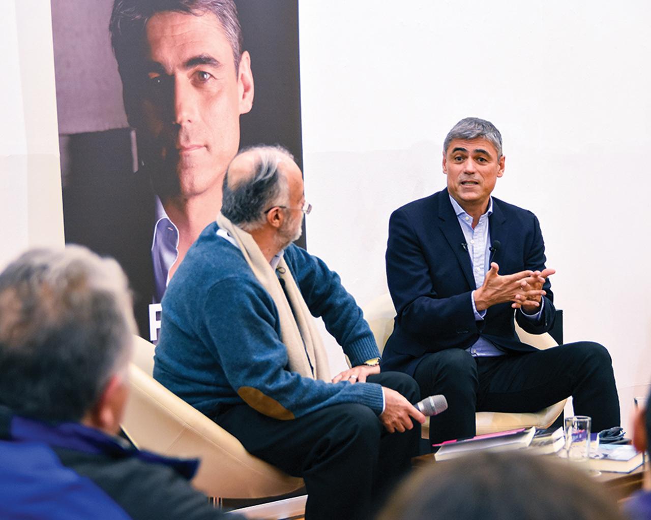 """Pablo Simonetti: """"La literatura es en el fondo una conversación a lo largo de los tiempos"""""""