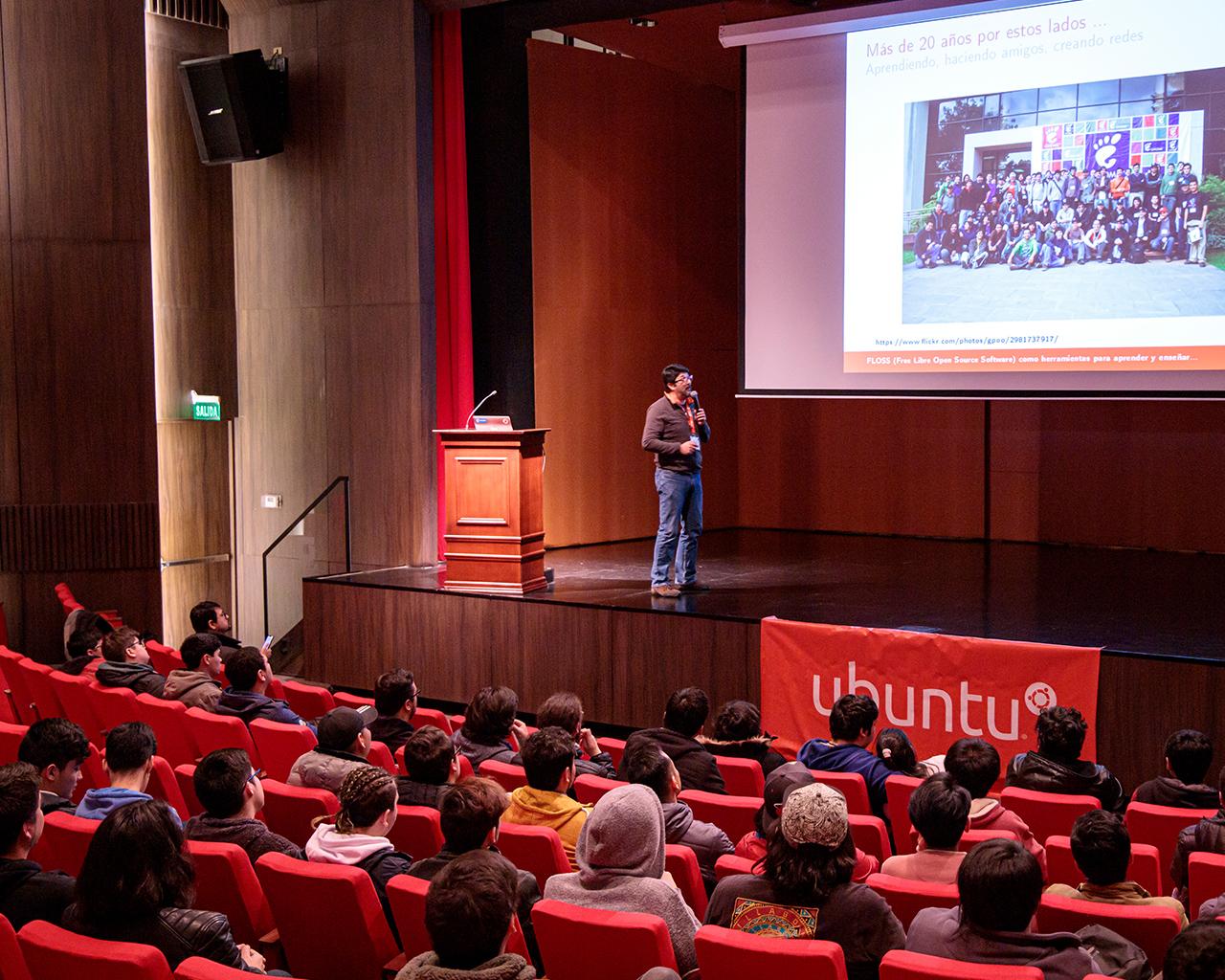 Encuentro de software libre en la UTalca: importancia de herramientas de calidad y gratuitas para toda la comunidad