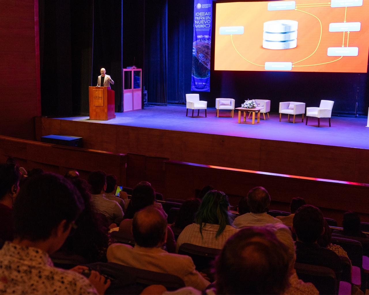 Destacada participación de investigadores en Congreso del Futuro