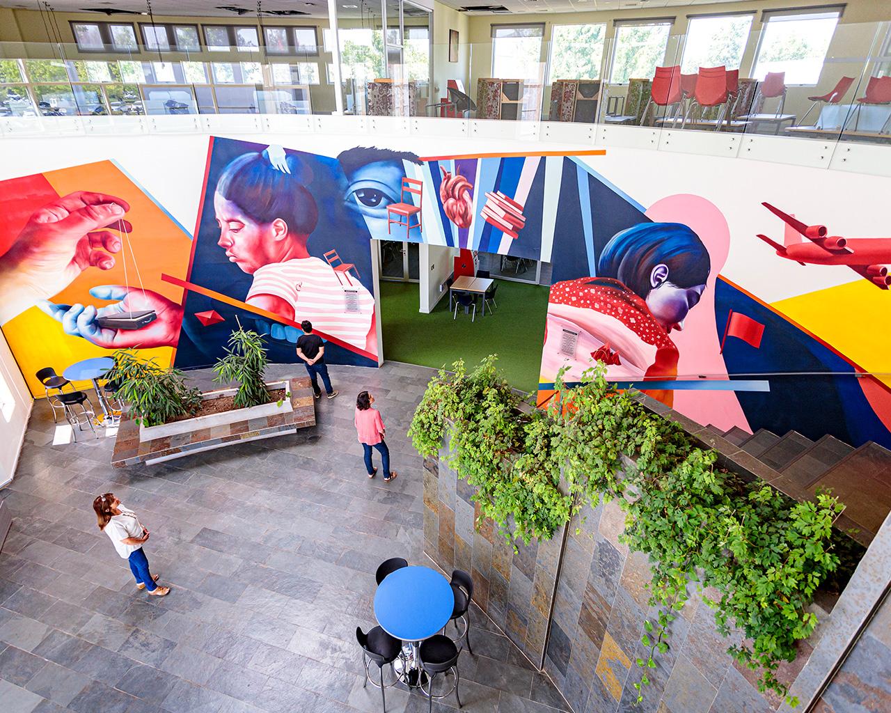 Mural sobre la inmigración busca incentivar dialogo y reflexión en la comunidad