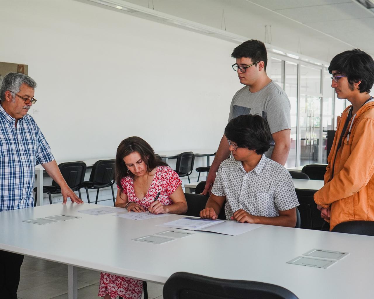 Universidad de Talca recibe donación para su Herbario de Universidad de Valparaíso