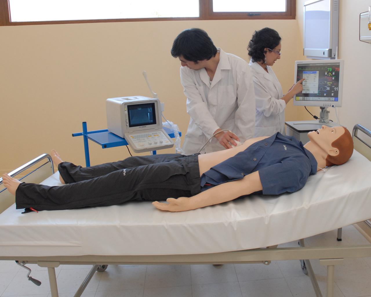 Carrera de Medicina está entre las 10 mejores de Chile