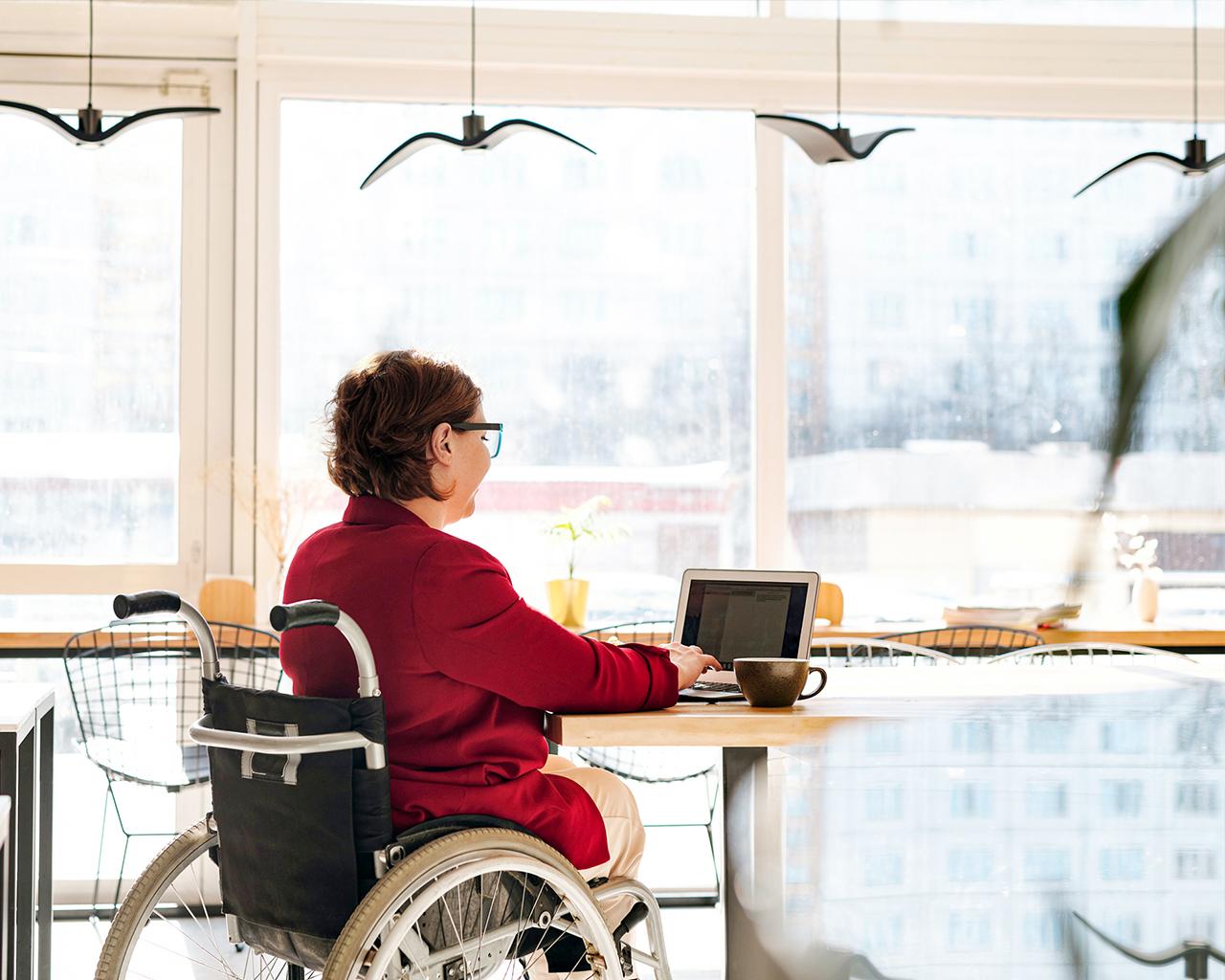Sistema facilita uso de computador para personas con movilidad reducida
