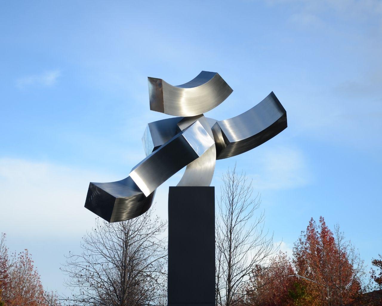 Editorial UTalca presenta libro que recorre la trayectoria  de la destacada escultora Cristina Pizarro