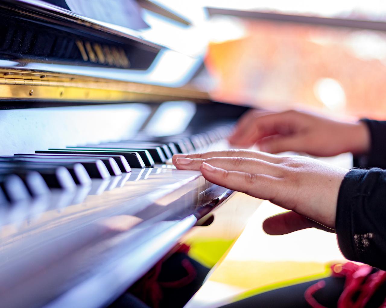 Escuela de Música inicia ciclo de charlas, conciertos y clases magistrales