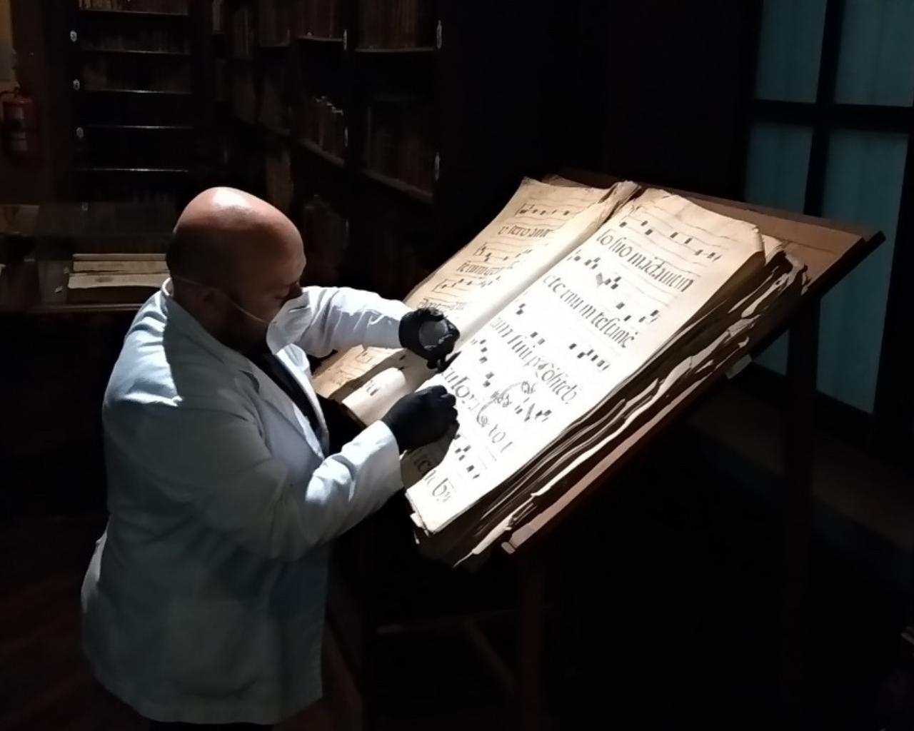 Analizan impacto del biodeterioro de los archivos históricos patrimoniales